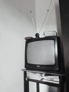 gray-scale-photo-analogue-of-television-3151392