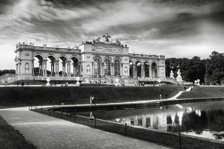greyscale-photography-of-schonbrunn-palace-3092624